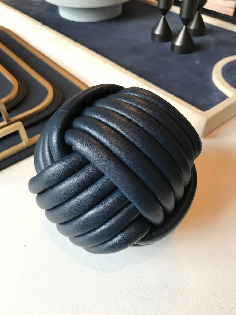 Obegi-Home-Accessories-Giobagnara-Nodo-Leather-Doorstop-Royal-Blue