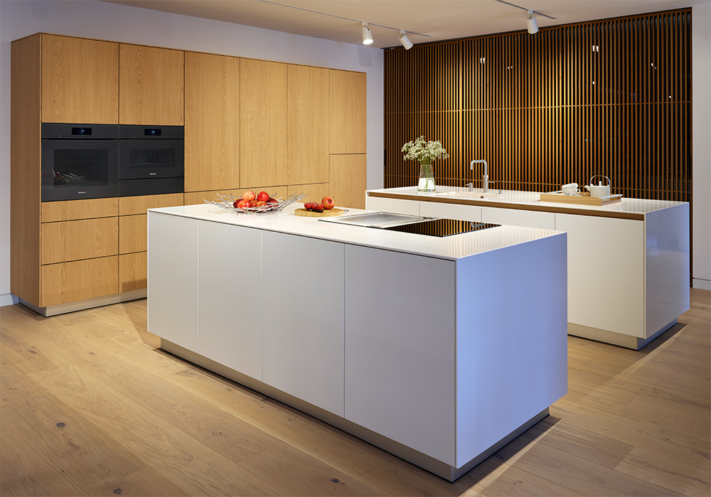 Obegi Home Bulthaup Kitchens Alpine White and Natural Oak Veneer b3